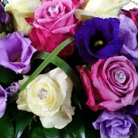 Romantische Tischdeko in Violett